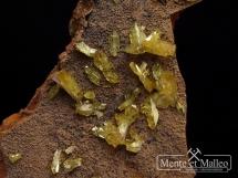 Adamit - ładne kryształy - rzadkość