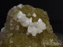Fluoryt, Dolomit - wspaniały kolor,  ładne kryształy