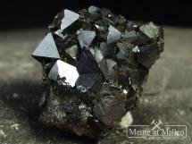 Magnetyt - kryształy na skale - Boliwia