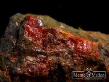 Realgar z kopalni złota - rzadkość