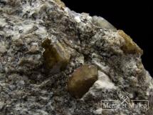 Rzadki foszagit, wezuwian