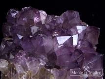 Szczotka ametystowa - wspaniałe kryształy i barwa
